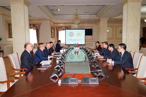 베트남 공안부 장관, 카자흐스탄 공화국 방문 - ảnh 2