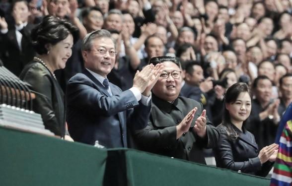 """대한민국 대통령, 남북한  """"70년 적대 청산하고 평화 큰걸음 딛자"""" - ảnh 1"""