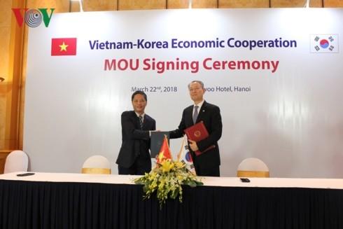 한국과 베트남 양국 관계의 강력한 전면적 발전 추세 유지 - ảnh 1