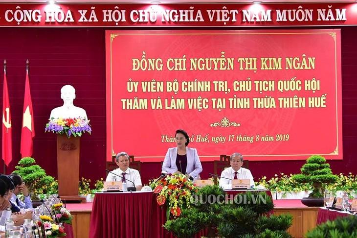 Chủ tịch Quốc hội Nguyễn Thị Kim Ngân làm việc với lãnh đạo tỉnh Thừa Thiên Huế - ảnh 1