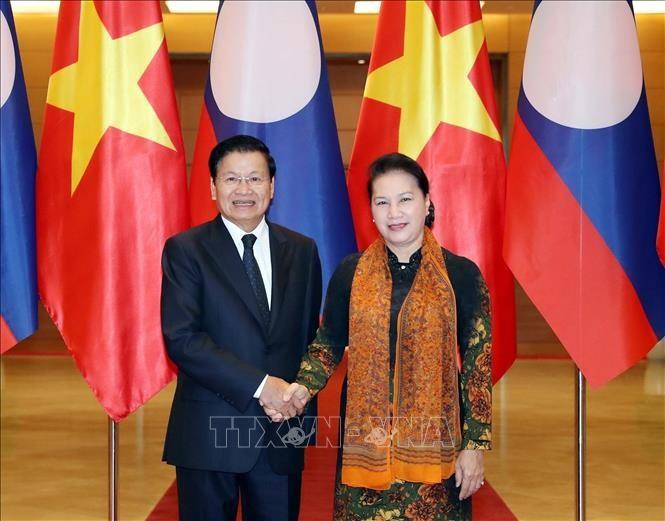 Chủ tịch Quốc hội Nguyễn Thị Kim Ngân hội kiến Thủ tướng Lào - ảnh 1