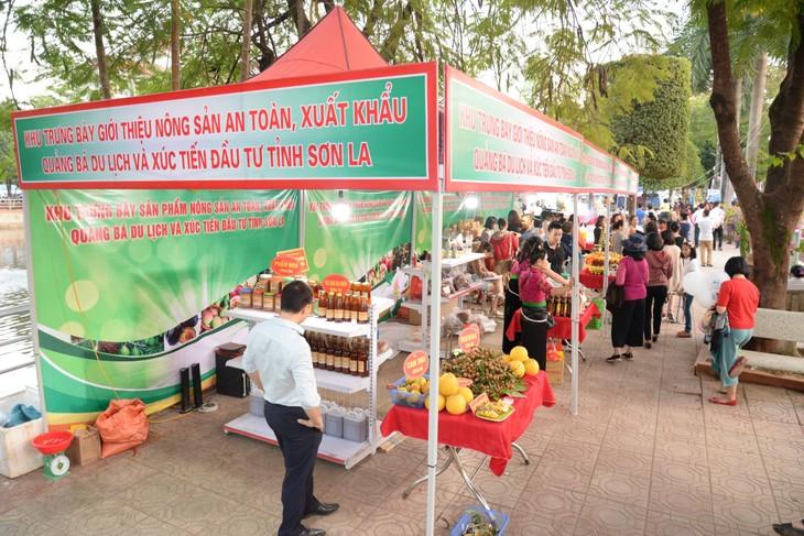Tỉnh Sơn La quảng bá nông sản và du lịch - ảnh 1