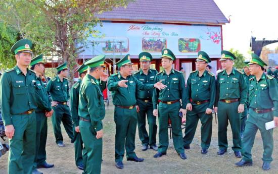 """Chương trình """"Xuân Biên phòng ấm lòng dân bản"""" 2020 tại khu vực biên giới tỉnh Đắc Lắk - ảnh 1"""