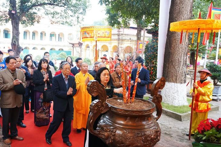 Dâng hương khai xuân tại Hoàng thành Thăng Long - ảnh 1