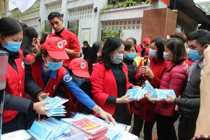 Hội Chữ thập đỏ Việt Nam ra quân hỗ trợ phòng chống dịch nCoV - ảnh 1