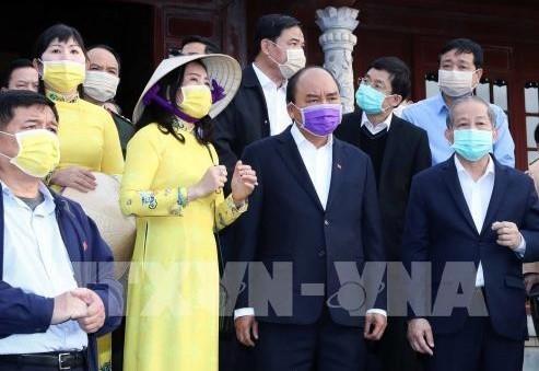 Thủ tướng Nguyễn Xuân Phúc thị sát phòng chống dịch do virus Corona tại Thừa Thiên Huế - ảnh 1