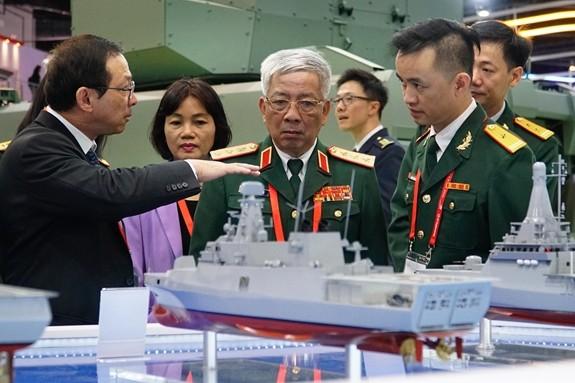 Đoàn đại biểu Bộ Quốc phòng Việt Nam làm việc tại Singapore - ảnh 1
