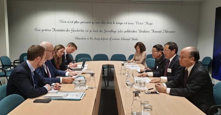 Chủ tịch Nghị viện châu Âu ủng hộ thúc đẩy quan hệ hợp tác toàn diện giữa EU và Việt Nam - ảnh 1