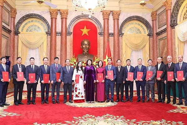 Phong hàm và thăng hàm Đại sứ cho 14 cán bộ ngoại giao - ảnh 1