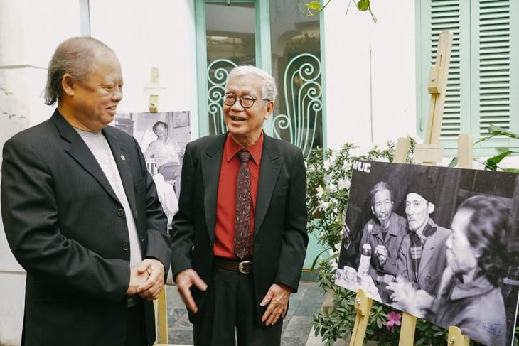Những người muôn năm cũ trong ảnh Hà Tường - ảnh 2