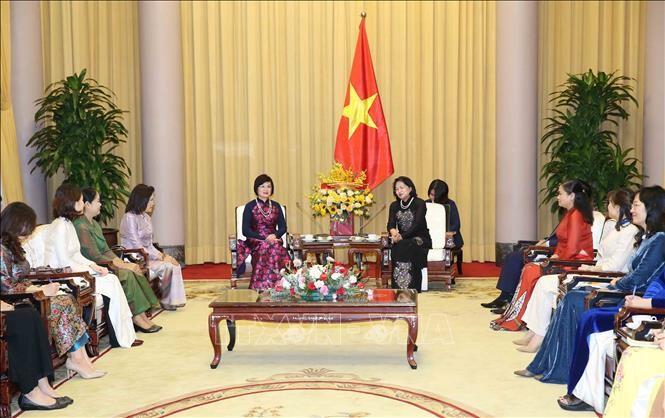 Phó Chủ tịch nước Đặng Thị Ngọc Thịnh tiếp Nhóm Phụ nữ Cộng đồng ASEAN - ảnh 1