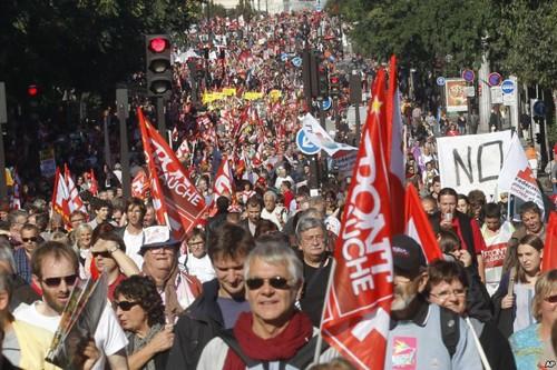 Demonstrasi untuk memprotes kebijakan kera  di Perancis dan Eropa - ảnh 1