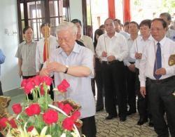 Sekjen Nguyen Phu Trong melakukan kunjungan kerja di propinsi Vinh Long - ảnh 1