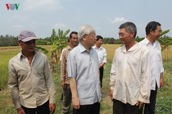 Sekjen KS PKV, Nguyen Phu Trong  melakukan temu kerja di propinsi Ben Tre - ảnh 1