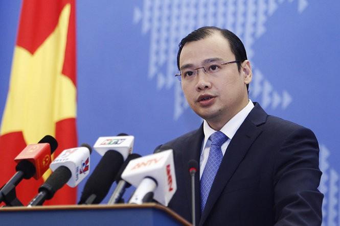 Vietnam dengan tegas menuntut kepada Tiongkok supaya menarik pesawat tempur dari kepulauan Hoang Sa - ảnh 1
