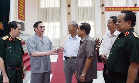 Избиратели Вьетнама поддерживают установку Партии и Государства по борьбе за суверенитет страны - ảnh 1