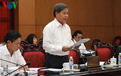 Министр природных ресурсов и экологии ответил на запросы членов ПК НС СРВ - ảnh 1