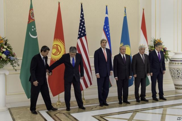 США прилагают усилия для усиления влияния в Средней Азии - ảnh 1