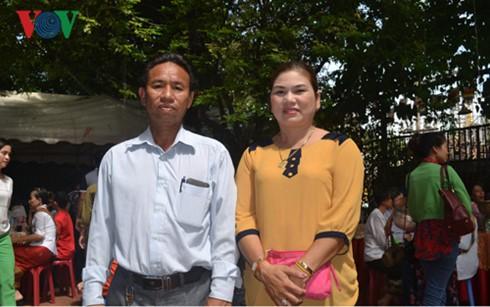 Вьетнамцы в Лаосе проявляют интерес к всеобщим выборам на Родине - ảnh 1