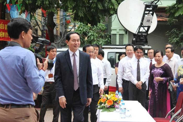 Во Вьетнаме прошли выборы в Национальное собрание страны и народные советы разных уровней - ảnh 2