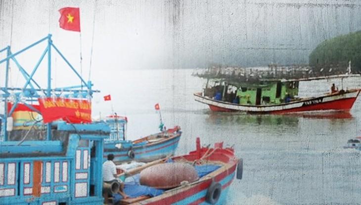Вьетнамские рыбаки спасли пять малайзийских коллег на море - ảnh 1