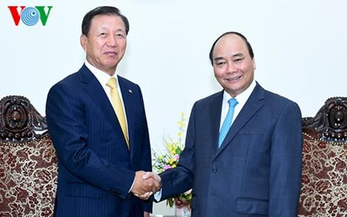 Нгуен Суан Фук принял старшего советника южнокорейской корпорации «CJ» - ảnh 1