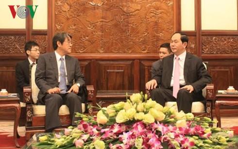 Президент Вьетнама принял послов зарубежных стран, вручивших верительные грамоты - ảnh 2