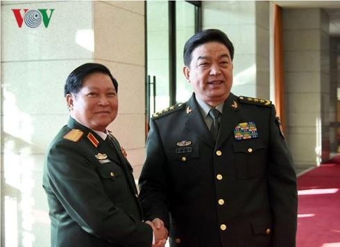 Министры обороны СРВ и КНР выразили решимость поднять отношения двух стран на новую высоту - ảnh 1