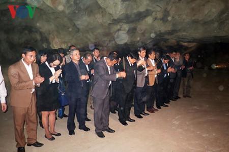 Посещение места, где 70 лет назад Хо Ши Мин прочитал стихи, поздравляющие с Новым годом - ảnh 4