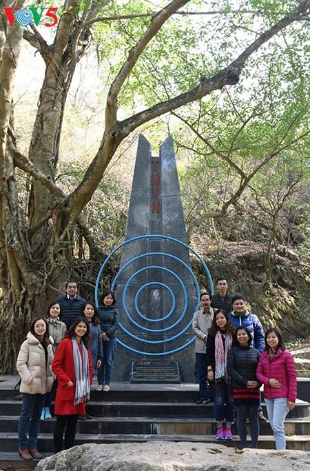 Посещение места, где 70 лет назад Хо Ши Мин прочитал стихи, поздравляющие с Новым годом - ảnh 7