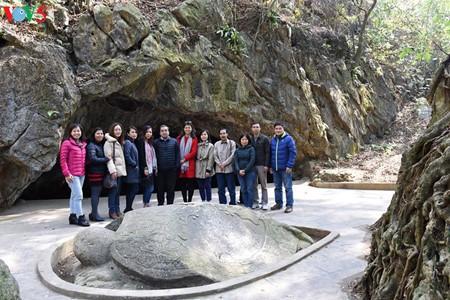 Посещение места, где 70 лет назад Хо Ши Мин прочитал стихи, поздравляющие с Новым годом - ảnh 8