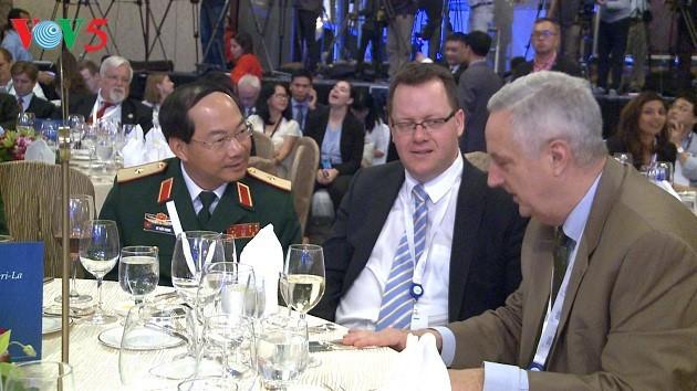 Вьетнам вносит активный вклад в работу Диалога Шангри-Ла 2017 - ảnh 1