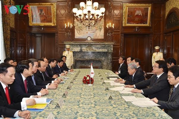 Премьер Вьетнама встретился с председателем Палаты советников парламента Японии - ảnh 1