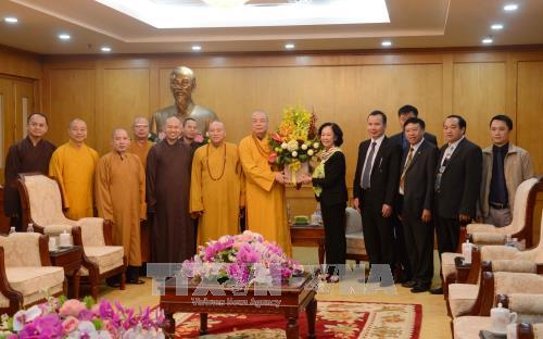 Чыонг Тхи Май приняла делегацию Вьетнамской буддийской сангхи - ảnh 1