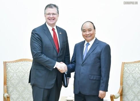 Премьер Вьетнама Нгуен Суан Фук принял посла США Дэниэла Критенбринка - ảnh 1