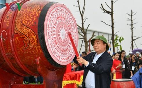Премьер Вьетнама развернул праздник посадки деревьев в провинции Нгеан - ảnh 1