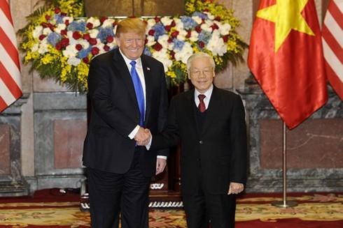 Генсек ЦК КПВ, президент СРВ Нгуен Фу Чонг провел переговоры с президентом США Дональдом Трампом - ảnh 1