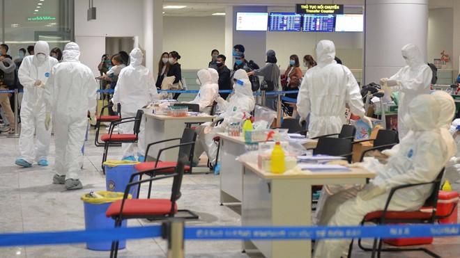 Минздрав Вьетнама сообщил о 7 авиарейсах с пассажирами, заразившимися коронавирусом - ảnh 1
