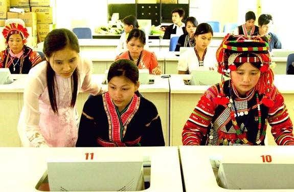 Содействие расширению прав нацменьшинств во Вьетнаме - ảnh 2