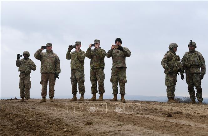 Министр обороны ФРГ: присутствие военнослужащих США в ЕС гарантирует безопасность НАТО - ảnh 1