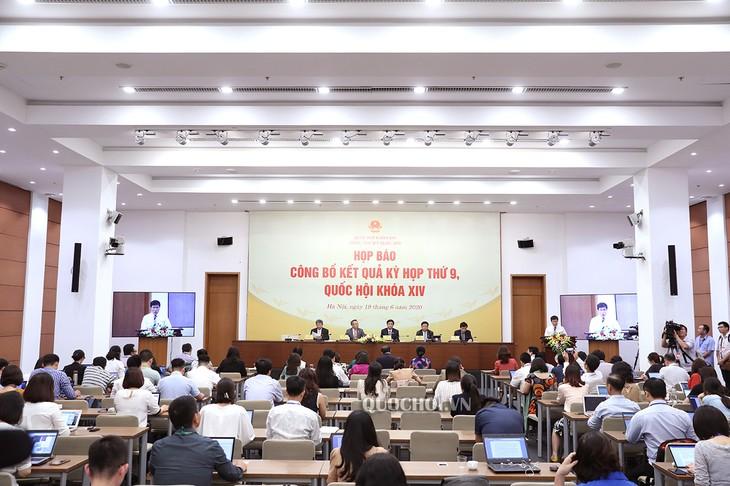В Ханое прошла пресс-конференция по итогам 9-й сессии Нацсобрания СРВ 14-го созыва - ảnh 1