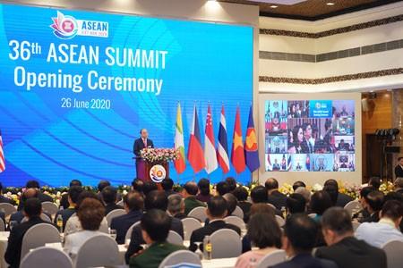 Успешное проведение 36-го саммита АСЕАН способствует повышению авторитета Вьетнама - ảnh 1