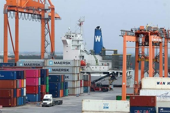 Вьетнам прилагает усилия для достижения поставленной цели - роста ВВП страны - ảnh 1