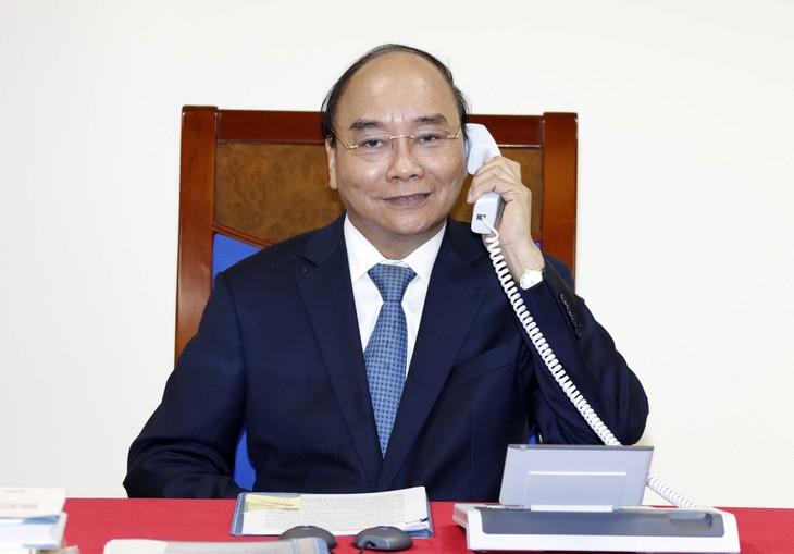 Нгуен Суан Фук провел телефонный разговор с главой Еврокомиссии - ảnh 1