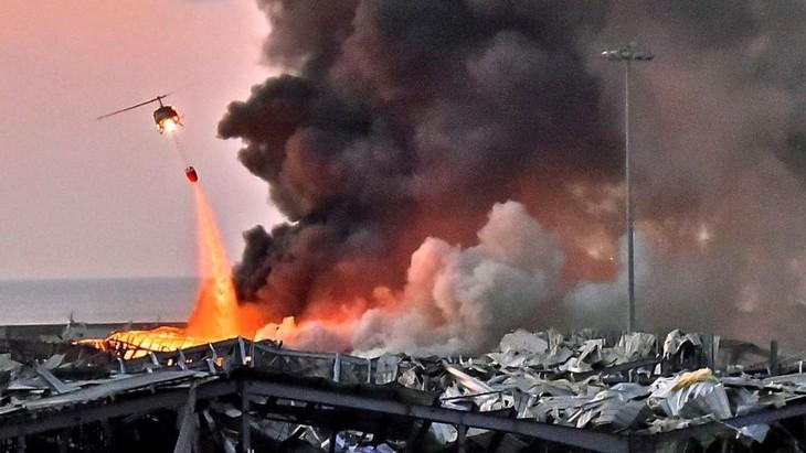 Нгуен Фу Чонг выразил соболезнования президенту Ливана в связи со взрывом в Бейруте - ảnh 1