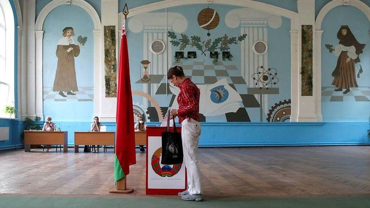 ЦИК Беларуси: Лукашенко набирает более 80% голосов избирателей - ảnh 1