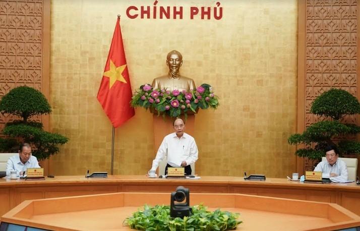 Премьер Вьетнама потребовал активно преодолеть трудности в 2020 году и в последующие годы - ảnh 1