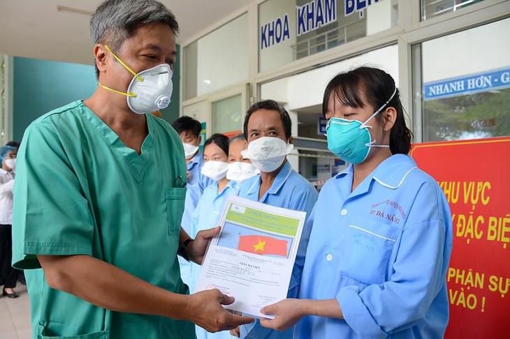 Вьетнам прилагает усилия для контроля над Covid-19 в городе Дананге - ảnh 1
