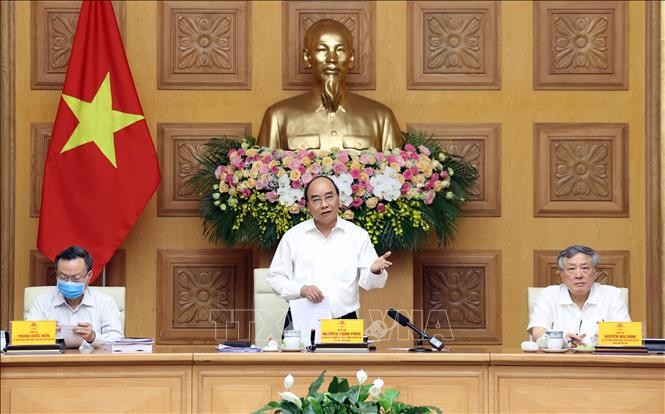 Премьер Вьетнама провёл заседание подкомисии по социально-экономическим вопросам - ảnh 1