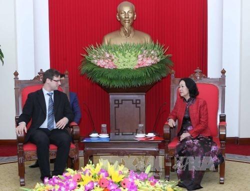 Truong Thi Mai rencontre le vice-président de l'AN hongroise - ảnh 1